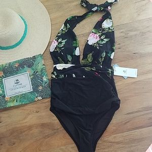 New small cupshe swimsuit